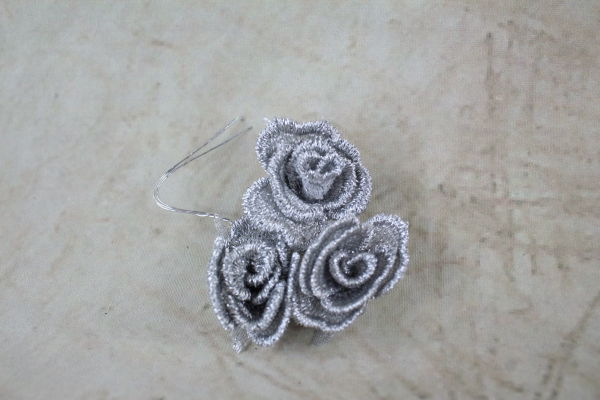 Silver Mesh Rose Bunch