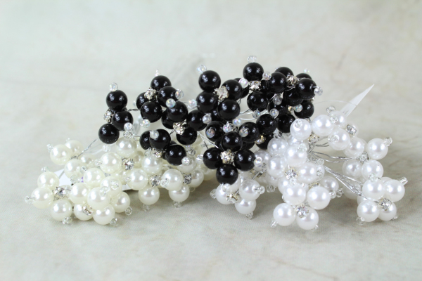 6mm Pearl With Rhinestone Clusters
