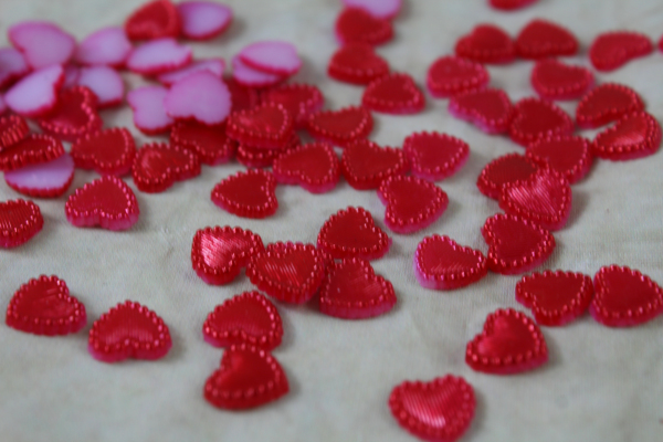 10mm Red Scatter Hearts