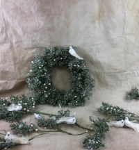 glistening-mistletoe-decoration-bundle