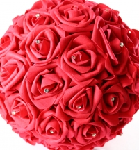 6 quality foam rose pomanders, with artificial acrylic diamond centre stone.