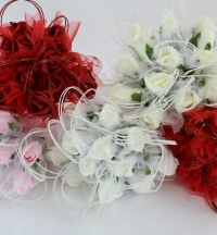 Posey Of 12 Foam Rose Buds With Tulle Wrap And Sparklers Ivory 5 Colours