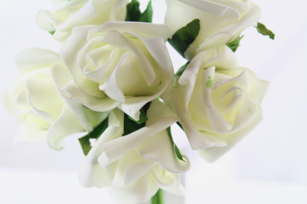 Our subtle Ivory Rose head bunch
