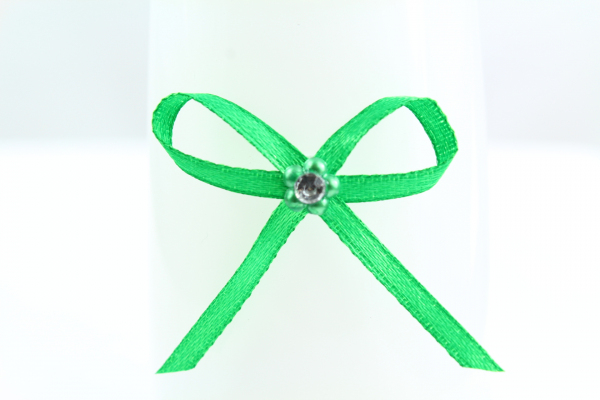 Our striking Emerald Green 3mm adhesive bow