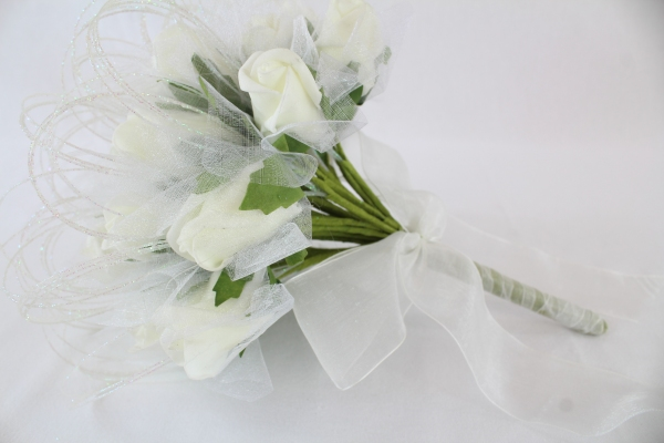 Posey Of 28 Foam Rose Buds With Tulle Wrap And Sparklers Ivory