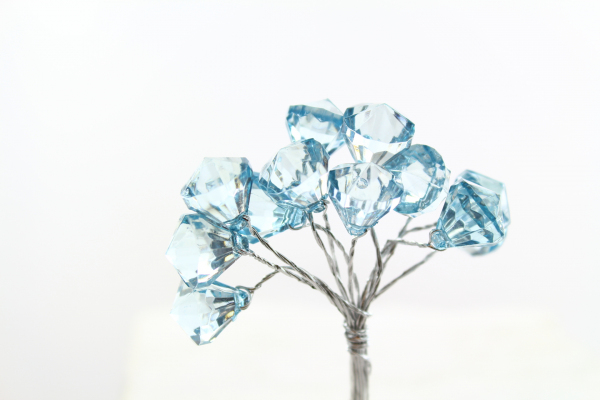 Aqua Silver coloured crystal bead pick.  Un-pick the stems for singles.